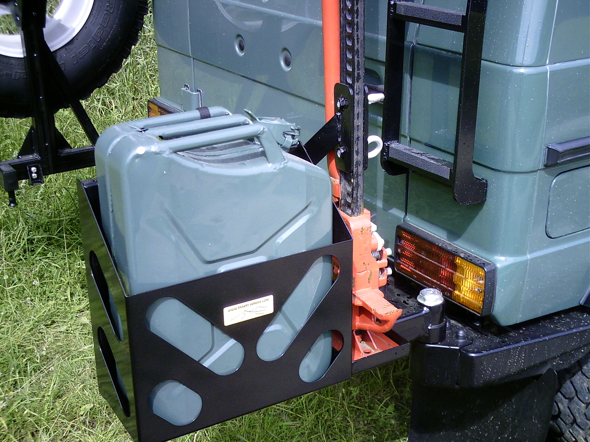 Kanister/Hi-Lifthalter für Heckstoßstange Mercedes G